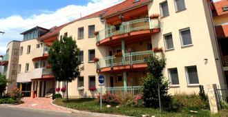 Hotel Makar Sport & Wellness - Pécs - Bâtiment