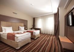 Hotel Makar Sport & Wellness - Fünfkirchen - Schlafzimmer