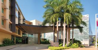 Adina Apartment Hotel Darwin Waterfront - Darwin - Edificio