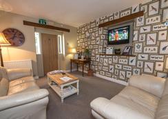The Lansdowne - Cheltenham - Lounge