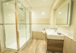 The Lansdowne - Cheltenham - Bathroom