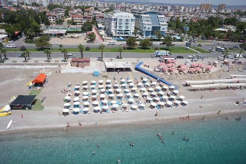Sealife Family Resort Hotel - Antalya - Beach