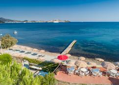 Hotel Fabricia - Портоферрайо - Пляж
