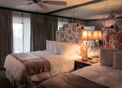 Gaido's Seaside Inn - Galveston - Bedroom