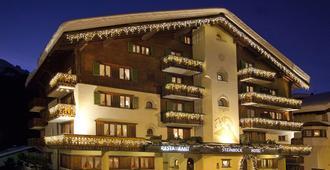 Hotel Steinbock - Klosters-Serneus - Rakennus
