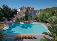 Residence Oleandro - Pietra Ligure - Басейн