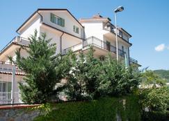 Residence Oleandro - Pietra Ligure - Edificio