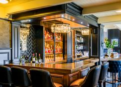 The Victoria - Killarney - Bar