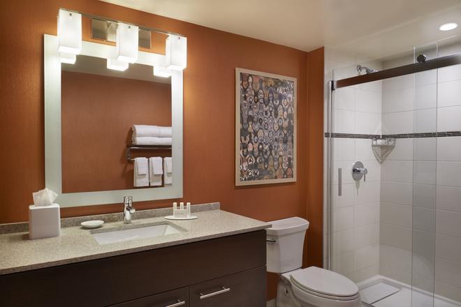 TownePlace Suites by Marriott Windsor - Windsor - Baño