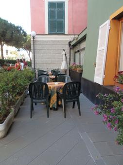 Hotel Italia - Moneglia - Patio