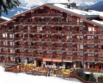 Hotel Les Arolles - Les Allues - Edificio