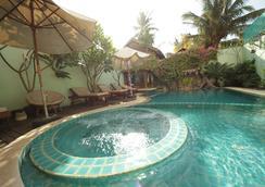 暹粒河畔酒店 - 暹粒 - 暹粒 - 游泳池
