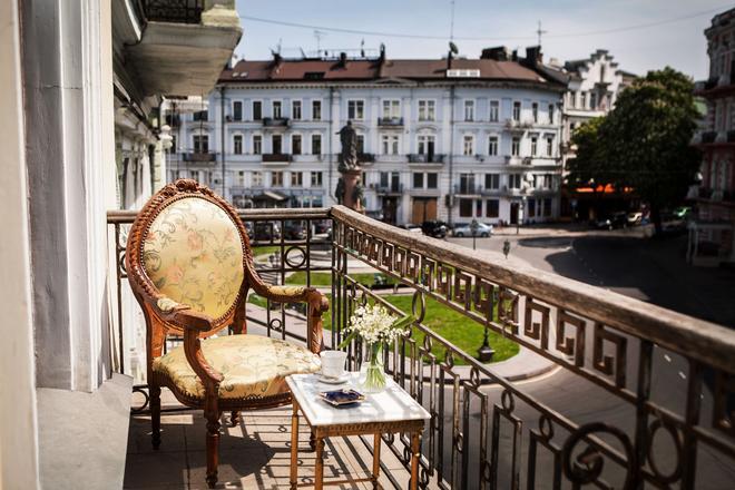 Esther House - Odesa - Balcony