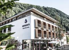 Anthony's Life&Style Hotel - Sankt Anton am Arlberg - Building