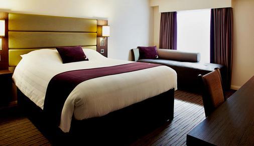 Premier Inn Leicester - Forest East - Leicester - Bedroom