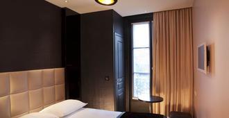 First Hotel Paris - Tour Eiffel - Paris - Bedroom