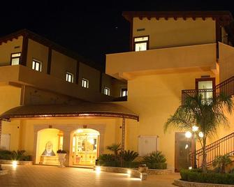 Hotel Villa Romana - Porto Empedocle - Gebäude