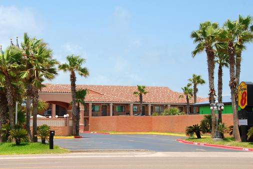 Super 8 by Wyndham South Padre Island - South Padre Island - Rakennus