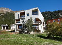 Alpine Lodge Chesa Plattner - Pontresina - Building