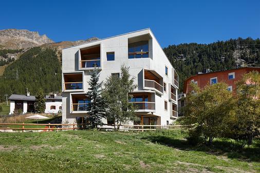 Alpine Lodge Chesa Plattner - Pontresina - Building