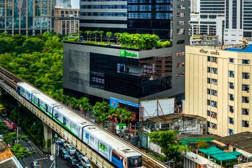 曼谷素坤逸路假日酒店 - 曼谷 - 建築