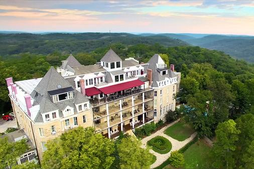 1886 Crescent Hotel and Spa - Eureka Springs - Κτίριο