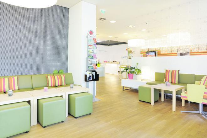 Harry's Home Hotel Dornbirn - Dornbirn - Sala de estar
