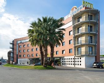 B&B Hotel Pisa - Pisa - Gebäude