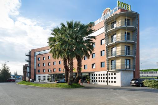 B&B Hotel Pisa - Pisa - Edificio