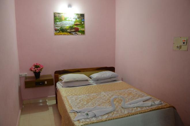 Molyma Resorts - Canacona - Bedroom
