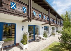 Scottish Highlander Guesthouse - Mauth - Bangunan