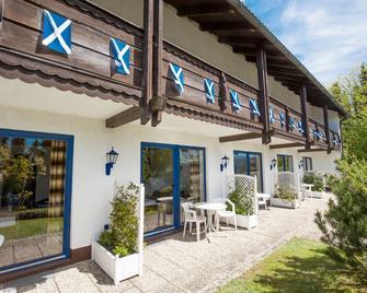 Scottish Highlander Guesthouse - Mauth - Edificio