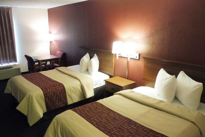 Red Roof Inn Fredericksburg South - Fredericksburg - Bedroom