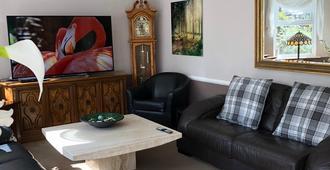 Somerton Lodge Hotel - Shanklin - Lounge