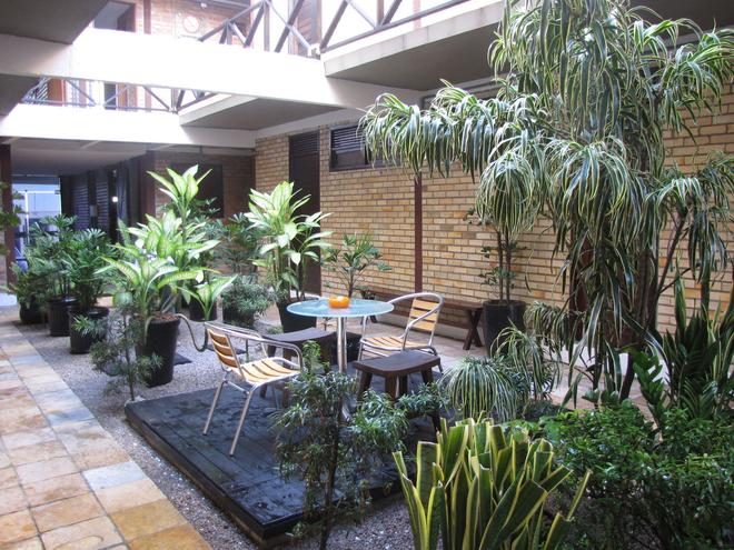 伊科諾米福萊特旅館 - 納塔爾 - 天井