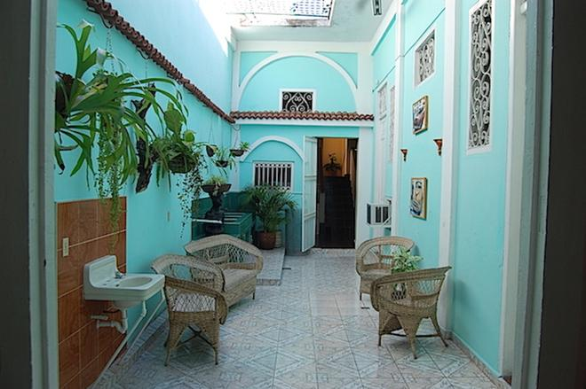 Casa Amanecer - Santiago de Cuba - Patio