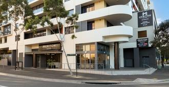 Meriton Suites Waterloo - Sydney