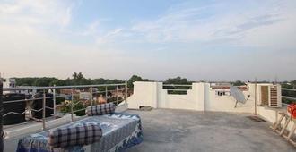 Friends Guest House & Hostel - Āgra - Balcony