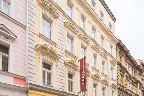 City Lounge Hotel - Прага - Здание