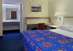 Red Roof Inn Jackson North - Ridgeland - Ridgeland - Bedroom
