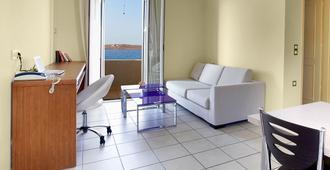 Giorgi's Blue Apartments - Kalathas