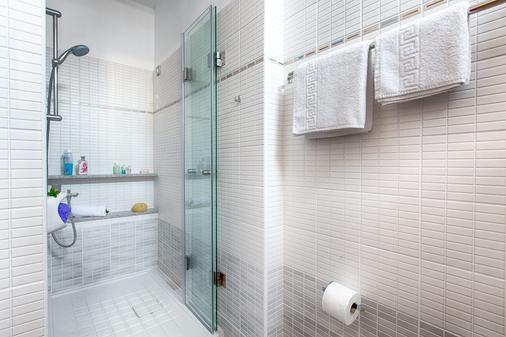 Giorgi's Blue Apartments - Kalathas - Bathroom