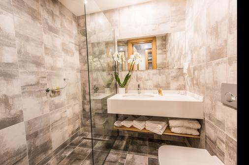 Ingate Hotel & Cafe - Famagusta - Bathroom
