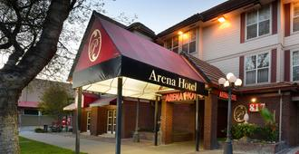 Arena Hotel - San Jose - Building