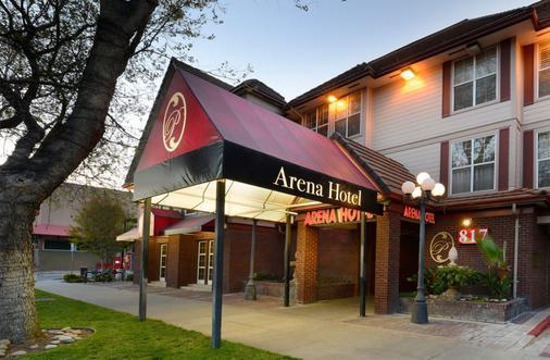 Arena Hotel - San José - Rakennus