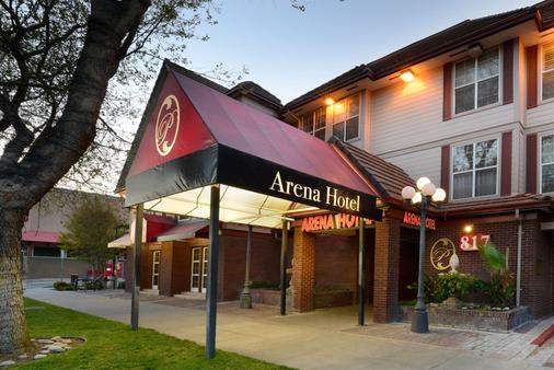 Arena Hotel - San José - Building