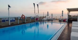 Leonardo Art Tel Aviv - Tel Aviv - Bể bơi