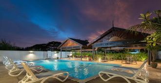 浮羅交怡利費拉酒店 - 浮羅交怡 - 蘭卡威 - 游泳池