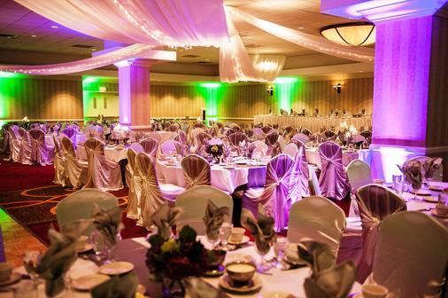 Red Lion Hotel Paper Valley - Appleton - Sảnh yến tiệc