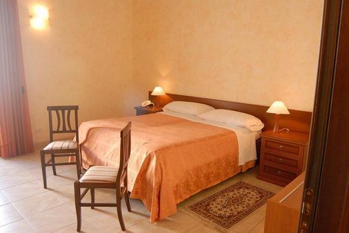 Hotel Gresi - Catania - Phòng ngủ